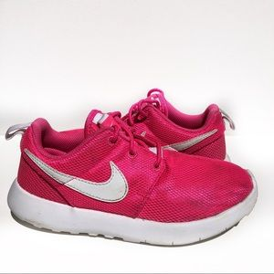 Nike Roshe Run Girls 1.5Y Pink Athletic Shoes